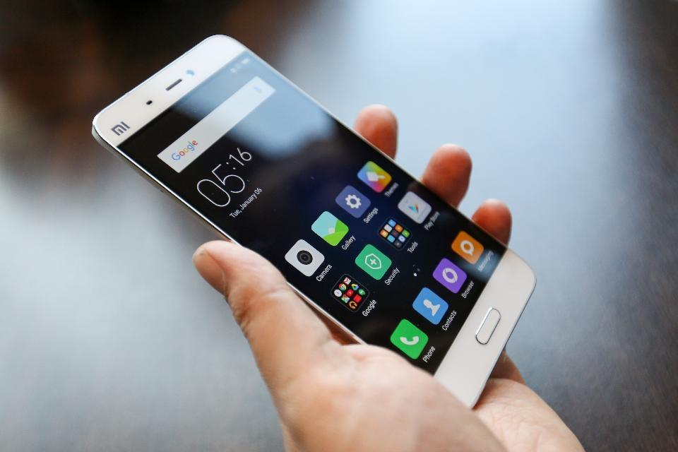 بازار موبایل در رکود/تب گوشیهای هوشمند خوابید